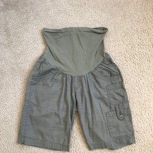 Maternity linen shorts